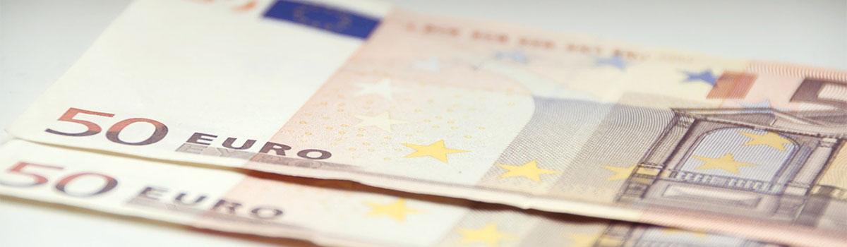 zwei 50-Euro Scheine